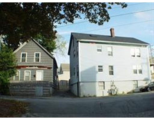 多户住宅 为 销售 在 2 Goddard Street Webster, 马萨诸塞州 01570 美国