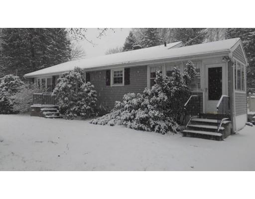 独户住宅 为 销售 在 35 Airport Road 35 Airport Road 格拉夫顿, 马萨诸塞州 01536 美国