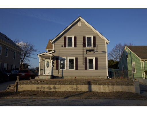 多户住宅 为 销售 在 272 Adams Street 272 Adams Street Woonsocket, 罗得岛 02895 美国