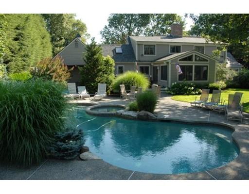 Частный односемейный дом для того Продажа на 3 CRANBERRY LANE 3 CRANBERRY LANE Lynnfield, Массачусетс 01940 Соединенные Штаты