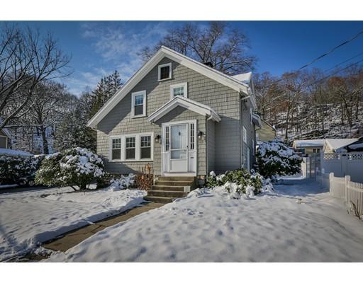 Частный односемейный дом для того Продажа на 149 Greenwood Street 149 Greenwood Street Wakefield, Массачусетс 01880 Соединенные Штаты