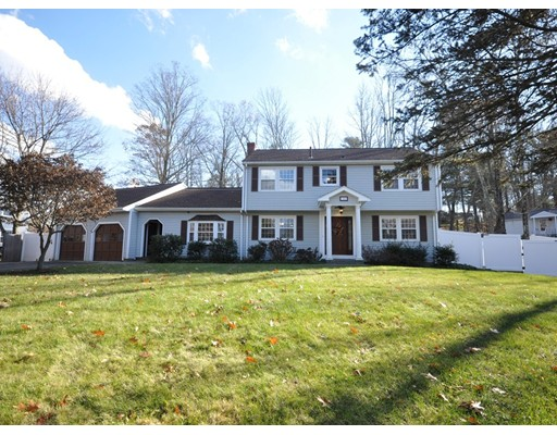 واحد منزل الأسرة للـ Sale في 12 Faulkner Hill Road 12 Faulkner Hill Road Acton, Massachusetts 01720 United States