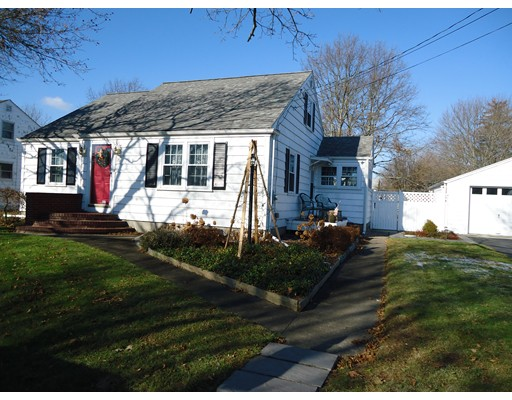 Single Family Home for Rent at 16 Springhill Street 16 Springhill Street Fairhaven, Massachusetts 02719 United States
