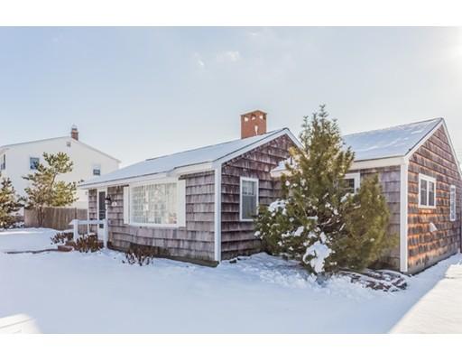 واحد منزل الأسرة للـ Sale في 214 Bristol Street 214 Bristol Street Seabrook, New Hampshire 03874 United States
