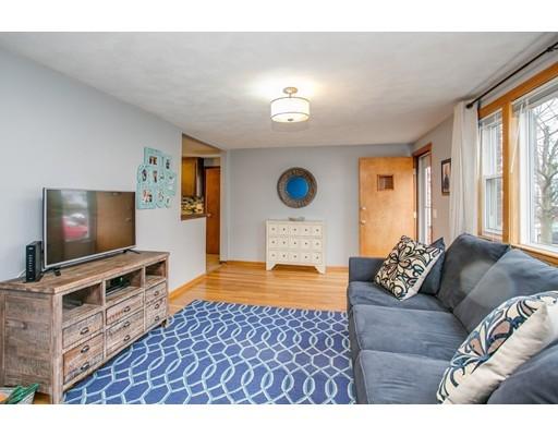 多户住宅 为 销售 在 75 Reservoir Avenue 75 Reservoir Avenue Revere, 马萨诸塞州 02151 美国