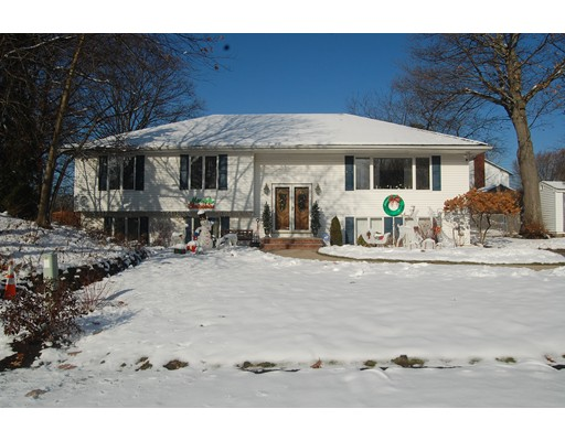 Apartment for Rent at 3 Wildwood Terrace #1 3 Wildwood Terrace #1 Saugus, Massachusetts 01906 United States