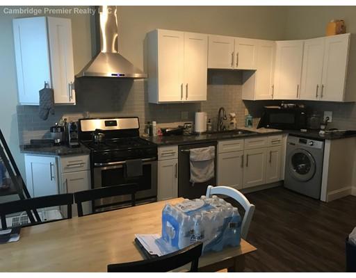 Maison accolée pour l à louer à 418 McGrath #1 418 McGrath #1 Somerville, Massachusetts 02143 États-Unis
