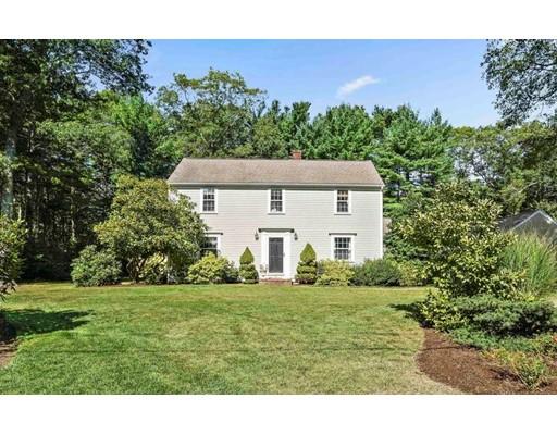 Casa Unifamiliar por un Venta en 18 Holly Tree Lane 18 Holly Tree Lane Duxbury, Massachusetts 02332 Estados Unidos
