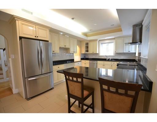 Maison accolée pour l à louer à 64 Corey Road #N/A 64 Corey Road #N/A Boston, Massachusetts 02135 États-Unis