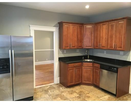 Condominio por un Alquiler en 422 Hanover Street #4 422 Hanover Street #4 Boston, Massachusetts 02113 Estados Unidos