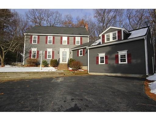 Maison unifamiliale pour l Vente à 8 Pinehurst Circle 8 Pinehurst Circle Millbury, Massachusetts 01527 États-Unis