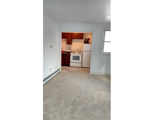 Квартира для того Аренда на 201 Hamilton St #1R 201 Hamilton St #1R Southbridge, Массачусетс 01550 Соединенные Штаты