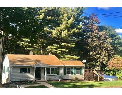 Частный односемейный дом для того Продажа на 208 Mapleshade Avenue 208 Mapleshade Avenue East Longmeadow, Массачусетс 01028 Соединенные Штаты