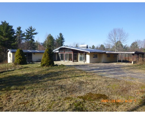 Частный односемейный дом для того Продажа на 207 Lake Road 207 Lake Road Ashburnham, Массачусетс 01430 Соединенные Штаты