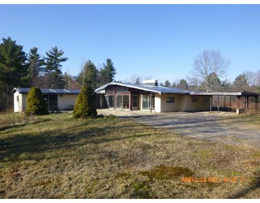 Casa Unifamiliar por un Venta en 207 Lake Road 207 Lake Road Ashburnham, Massachusetts 01430 Estados Unidos