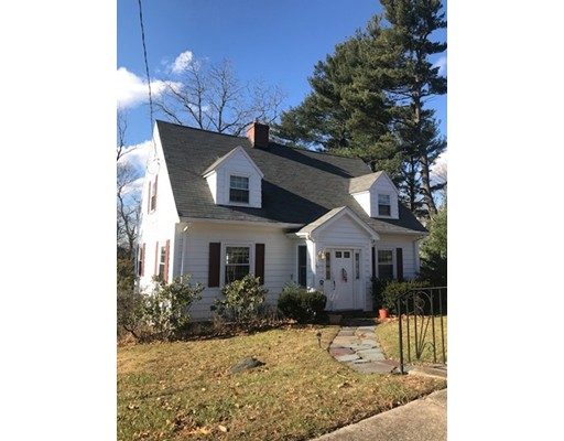 Single Family Home for Rent at 27 Ledyard Road 27 Ledyard Road Winchester, Massachusetts 01890 United States