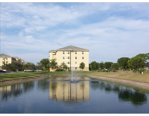 Appartement en copropriété pour l Vente à 1795 Four Mile Cove Pkwy. #836 1795 Four Mile Cove Pkwy. #836 Cape Coral, Florida 33990 États-Unis