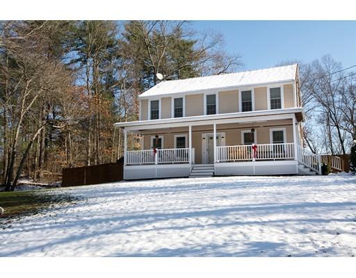 واحد منزل الأسرة للـ Sale في 35 Mayflower Road 35 Mayflower Road Hanson, Massachusetts 02341 United States