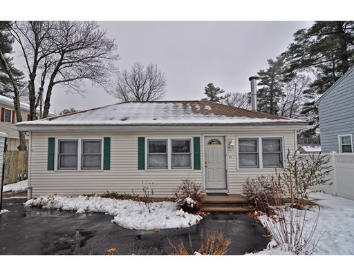Casa Unifamiliar por un Venta en 41 Maplewood Avenue 41 Maplewood Avenue Billerica, Massachusetts 01821 Estados Unidos