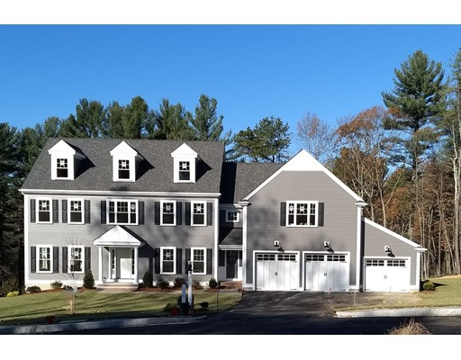 Casa Unifamiliar por un Venta en 1 Willow Lane 1 Willow Lane Bedford, Massachusetts 01730 Estados Unidos
