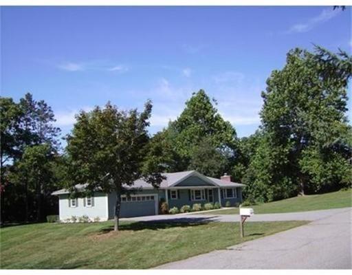 Casa Unifamiliar por un Alquiler en 41 Mayfield Drive 41 Mayfield Drive Groton, Massachusetts 01450 Estados Unidos