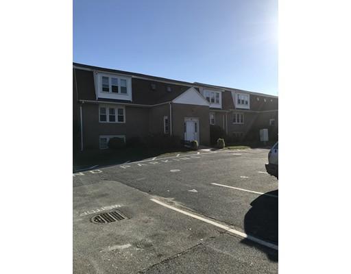 Condominio por un Venta en 24 Bettys Pond Road 24 Bettys Pond Road Barnstable, Massachusetts 02601 Estados Unidos