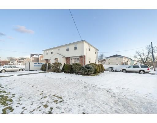 Многосемейный дом для того Продажа на 42 Wyman Street 42 Wyman Street Woburn, Массачусетс 01801 Соединенные Штаты