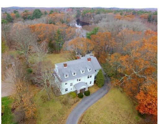 Частный односемейный дом для того Продажа на 561 Bridge 561 Bridge Dedham, Массачусетс 02026 Соединенные Штаты