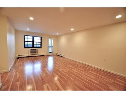 Additional photo for property listing at 757 Highland Avenue  Needham, Massachusetts 02494 Estados Unidos