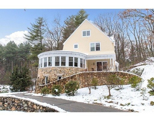 Single Family Home for Sale at 4 Cutters Bluff 4 Cutters Bluff Weston, Massachusetts 02493 United States
