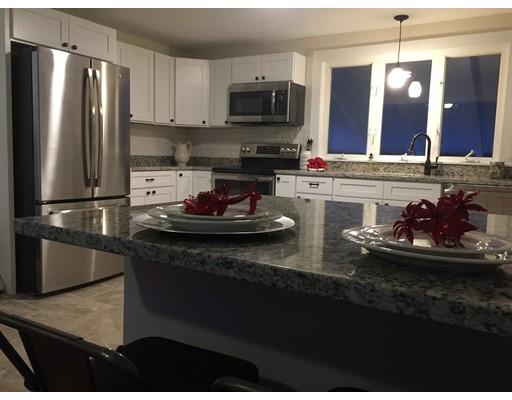 Maison unifamiliale pour l Vente à 160 West Union 160 West Union East Bridgewater, Massachusetts 02333 États-Unis