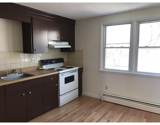 Casa Unifamiliar por un Alquiler en 81 Hobart Street 81 Hobart Street Danvers, Massachusetts 01923 Estados Unidos