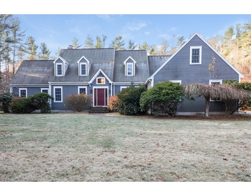 Single Family Home for Sale at 19 Earls Court Rochester, Massachusetts 02770 United States