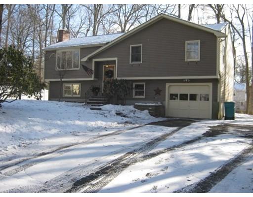 Maison unifamiliale pour l Vente à 89 Dover Drive 89 Dover Drive Northbridge, Massachusetts 01588 États-Unis