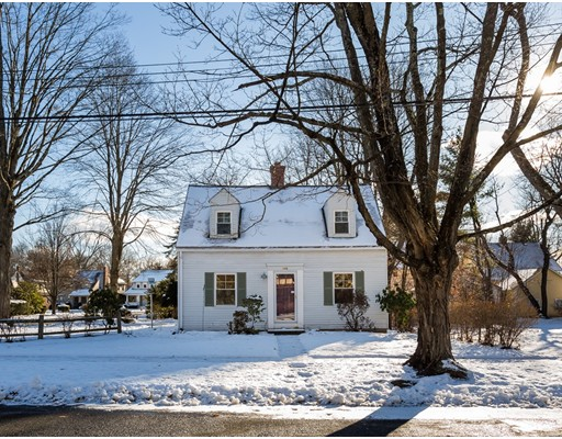 Casa Unifamiliar por un Venta en 155 Belleclaire Avenue Longmeadow, Massachusetts 01106 Estados Unidos