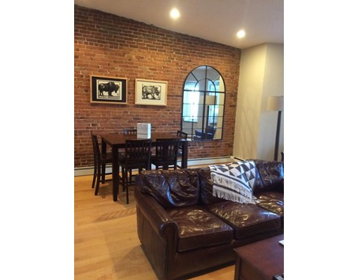 Additional photo for property listing at 24 Hancock  Boston, Massachusetts 02114 Estados Unidos
