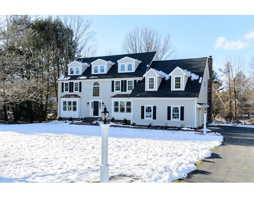 واحد منزل الأسرة للـ Sale في 2 Whitridge Road 2 Whitridge Road Natick, Massachusetts 01760 United States