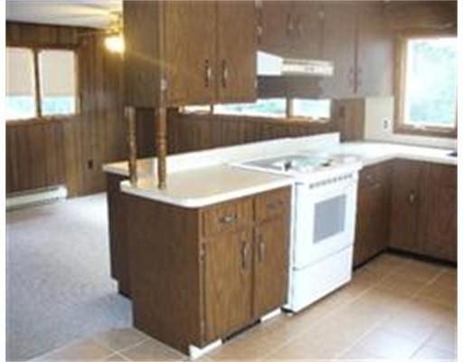 Casa Unifamiliar por un Alquiler en 1086 N Main Street 1086 N Main Street Brockton, Massachusetts 02301 Estados Unidos