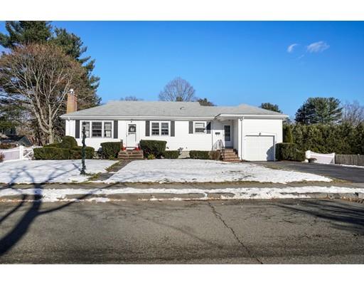 Частный односемейный дом для того Продажа на 20 Edward Avenue 20 Edward Avenue Lynnfield, Массачусетс 01940 Соединенные Штаты