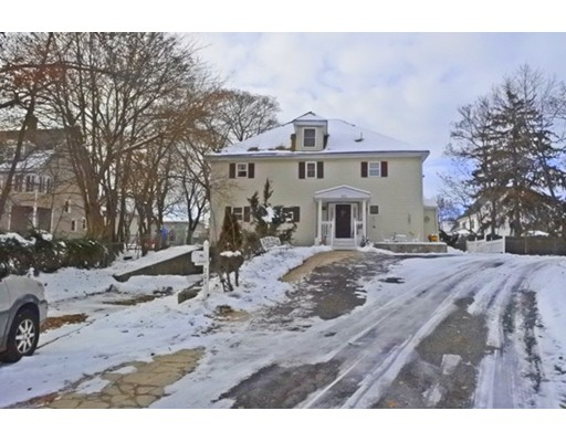 Многосемейный дом для того Продажа на 201 Streetone Street 201 Streetone Street Clinton, Массачусетс 01510 Соединенные Штаты