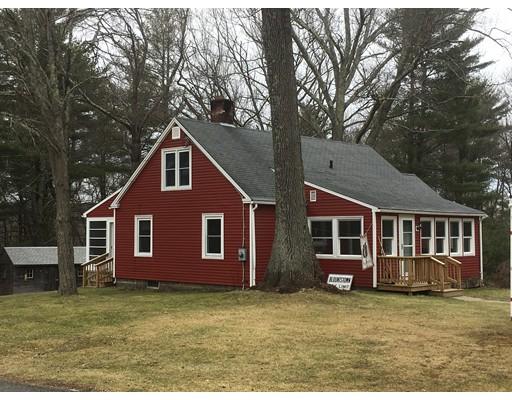 واحد منزل الأسرة للـ Sale في 2 Crest Road 2 Crest Road Monson, Massachusetts 01057 United States