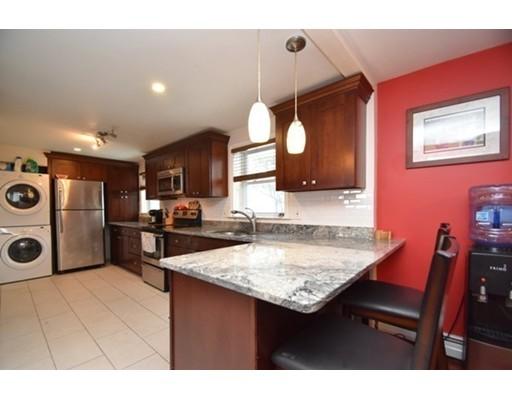 Casa Unifamiliar por un Venta en 15 Mcdevitt Road 15 Mcdevitt Road Randolph, Massachusetts 02368 Estados Unidos