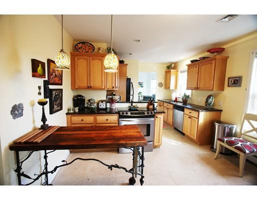 Casa Multifamiliar por un Venta en 12 Beacon Blvd 12 Beacon Blvd Peabody, Massachusetts 01960 Estados Unidos