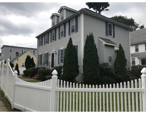 Maison unifamiliale pour l Vente à 239 Neponset Valley Pkwy 239 Neponset Valley Pkwy Boston, Massachusetts 02136 États-Unis