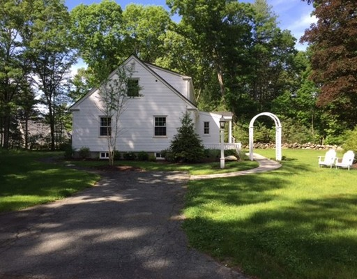Single Family Home for Rent at 943 Lowell Road 943 Lowell Road Concord, Massachusetts 01742 United States