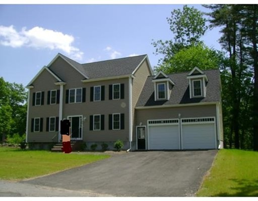 Nhà ở một gia đình vì Bán tại 26 Gladwood Street 26 Gladwood Street Brockton, Massachusetts 02301 Hoa Kỳ