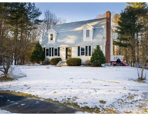 独户住宅 为 销售 在 6 Iris Lane 6 Iris Lane Foxboro, 马萨诸塞州 02035 美国