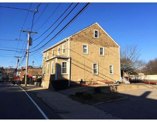 Maison avec plusieurs logements pour l Vente à 218 Bussey Street 218 Bussey Street Dedham, Massachusetts 02026 États-Unis