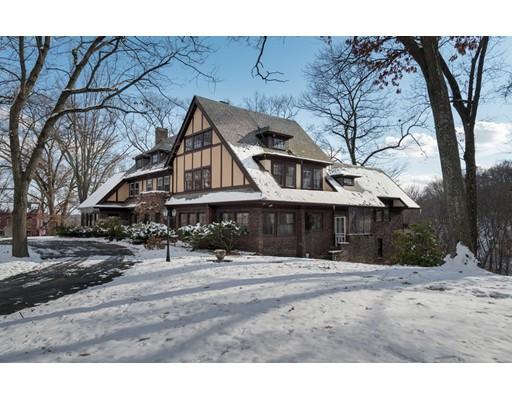 Maison unifamiliale pour l Vente à 11 Yale Street 11 Yale Street Holyoke, Massachusetts 01040 États-Unis