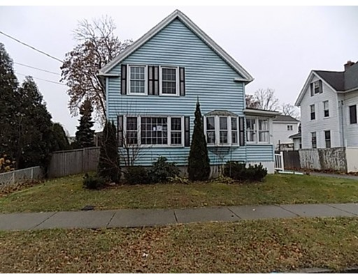 独户住宅 为 销售 在 56 Fairview Avenue 56 Fairview Avenue Chicopee, 马萨诸塞州 01013 美国